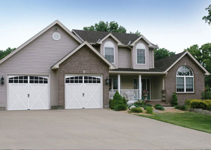 house with 2 car garage